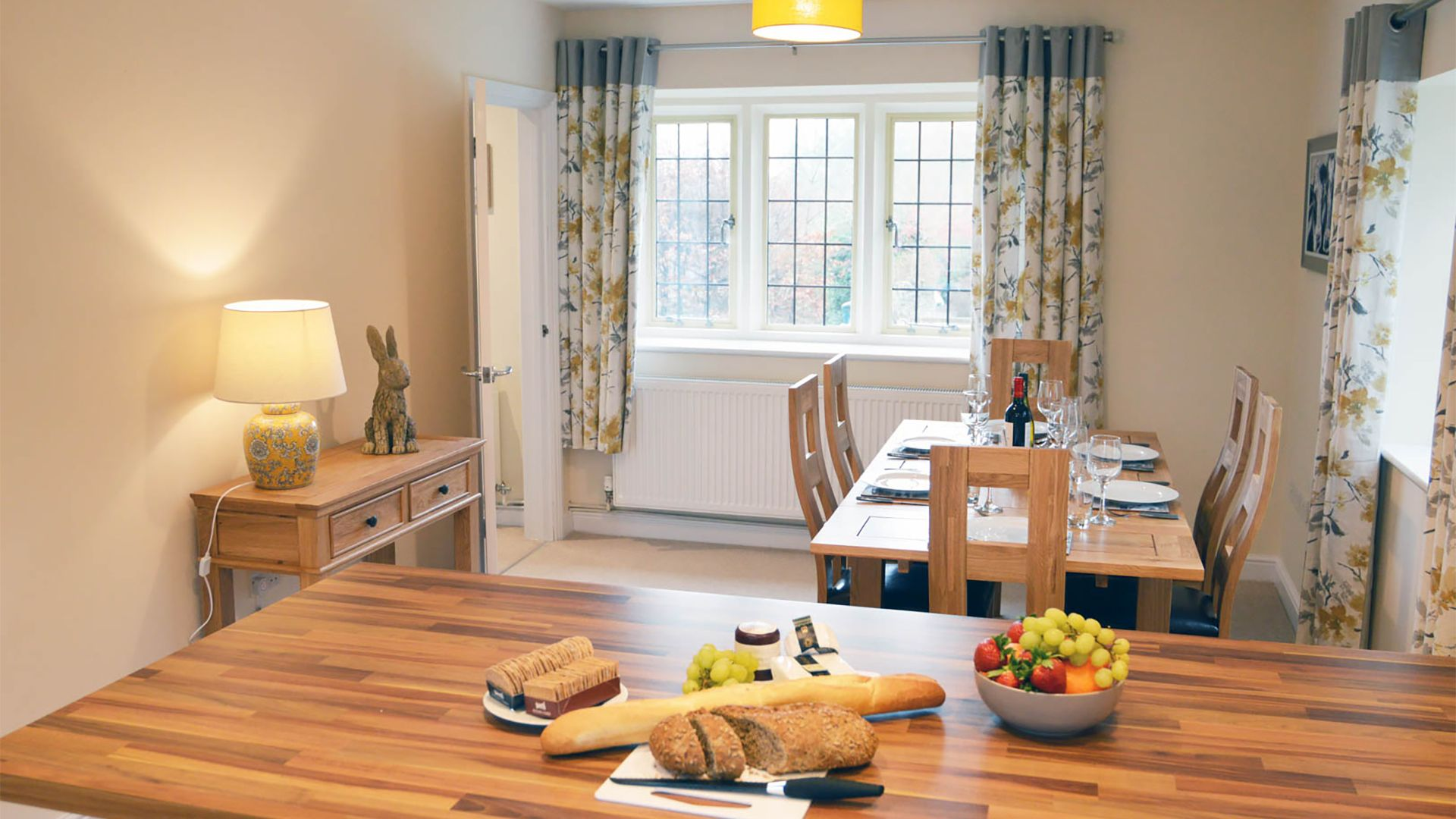 Kitchen/Dining area, Meadow View, Bolthole Retreats