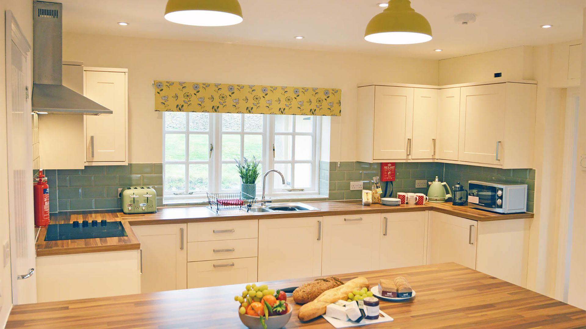 Kitchen, Meadow View, Bolthole Retreats