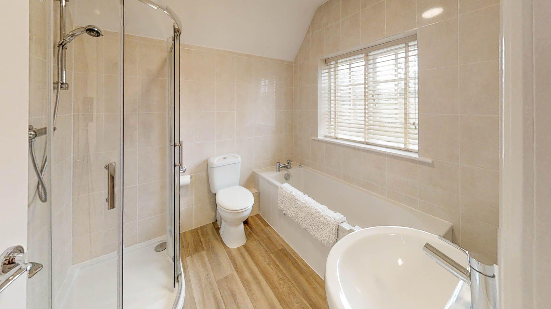 Family bathroom, Meadow View, Bolthole Retreats