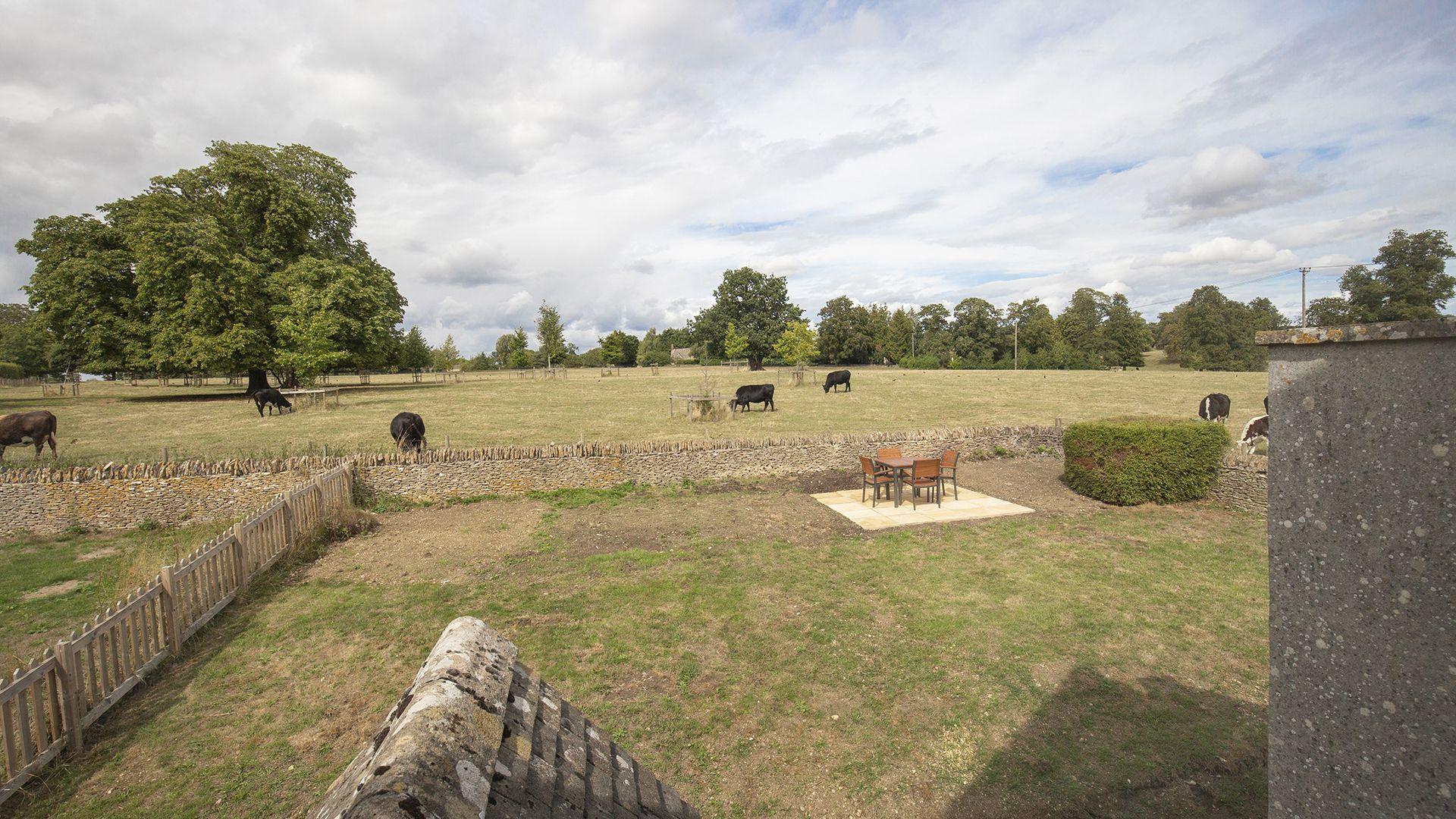 Rear garden, Meadow View 2, Bolthole Retreats