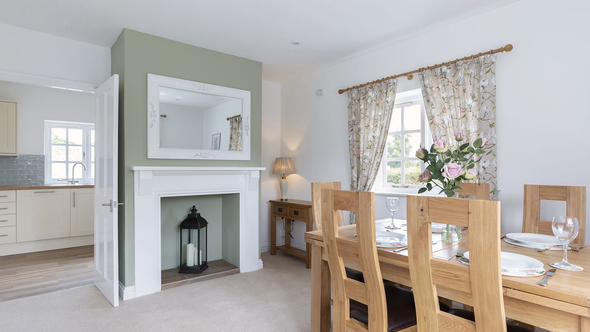 Dining room, Meadow View 2, Bolthole Retreats