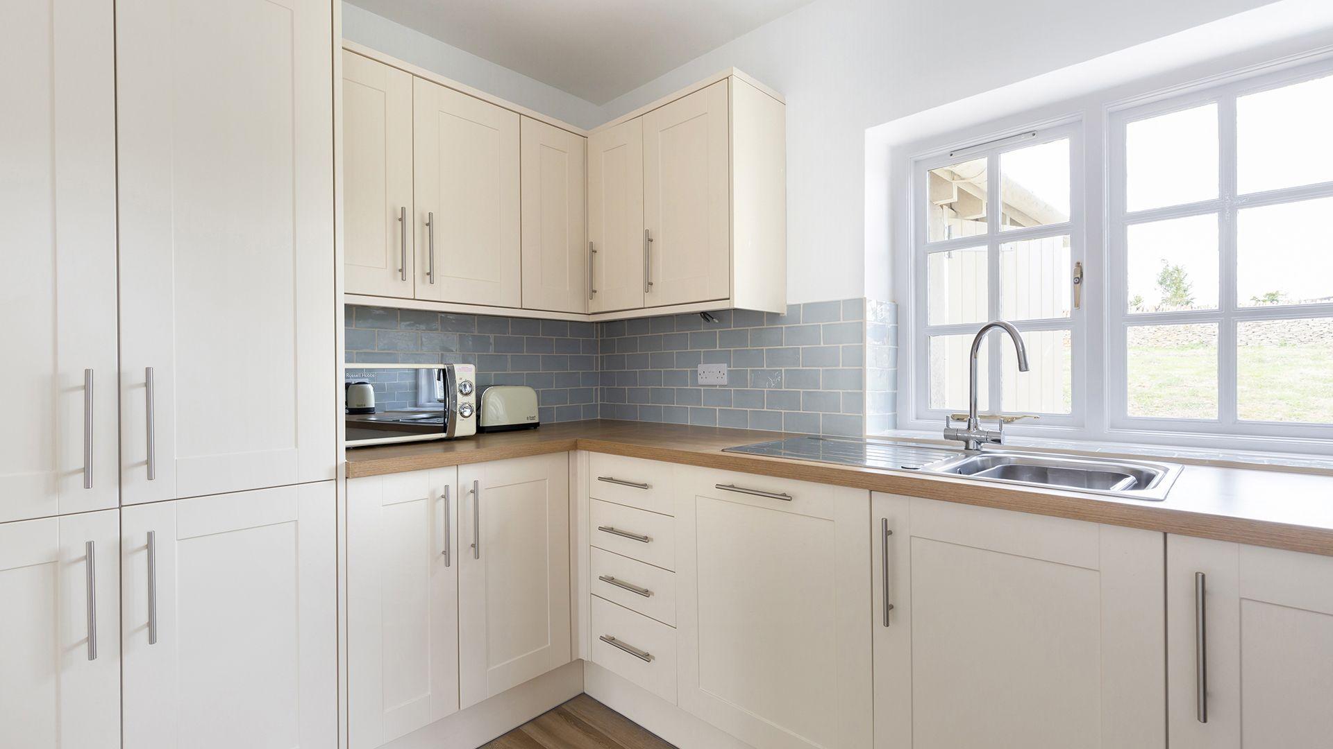 Kitchen, Meadow View 2, Bolthole Retreats