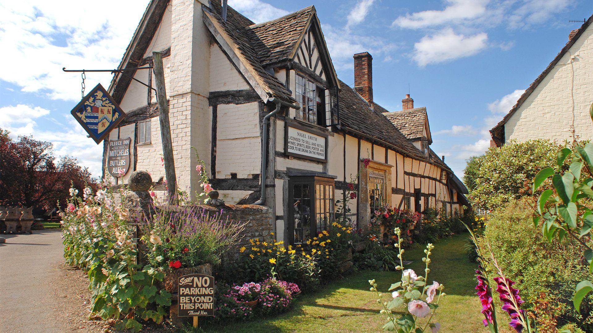 Village pub in Bretforton, Old Fox Cottage, Bolthole Retreats