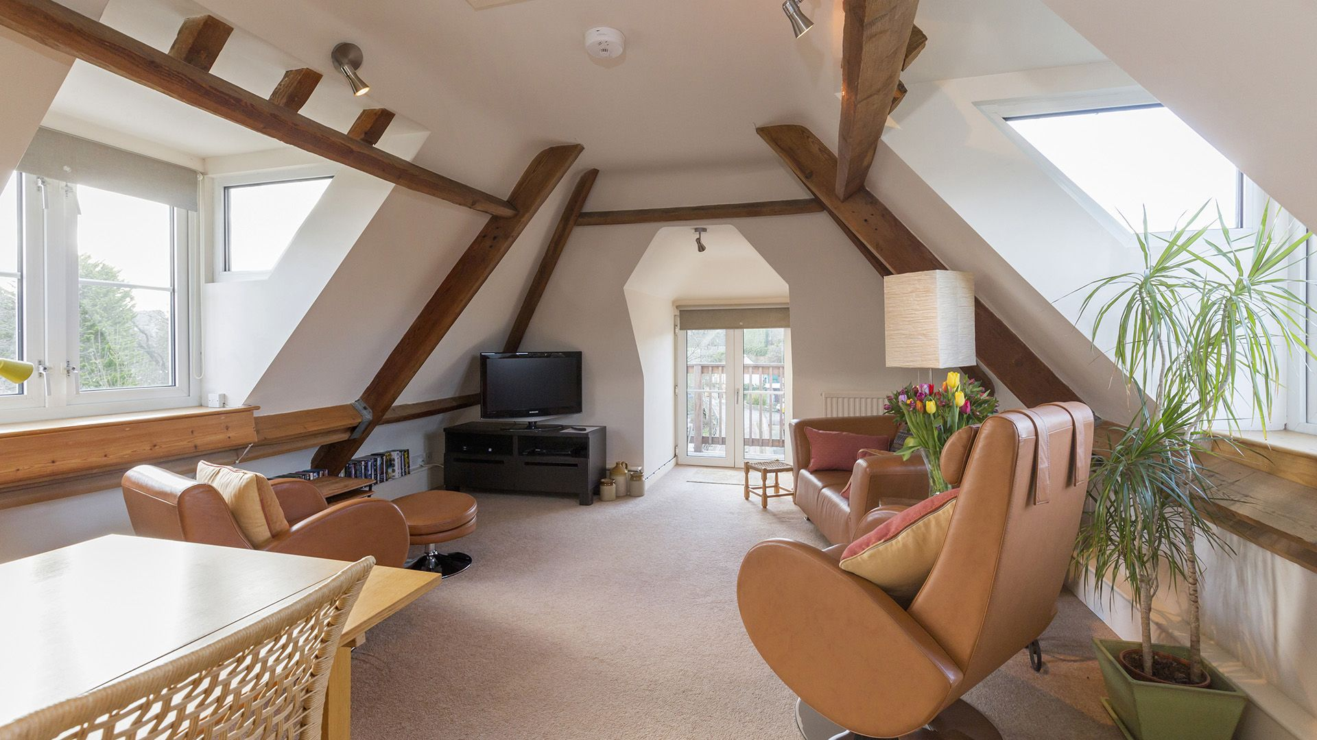 Living, dining area, The Leat at Wynard Mill, Bolthole Retreats