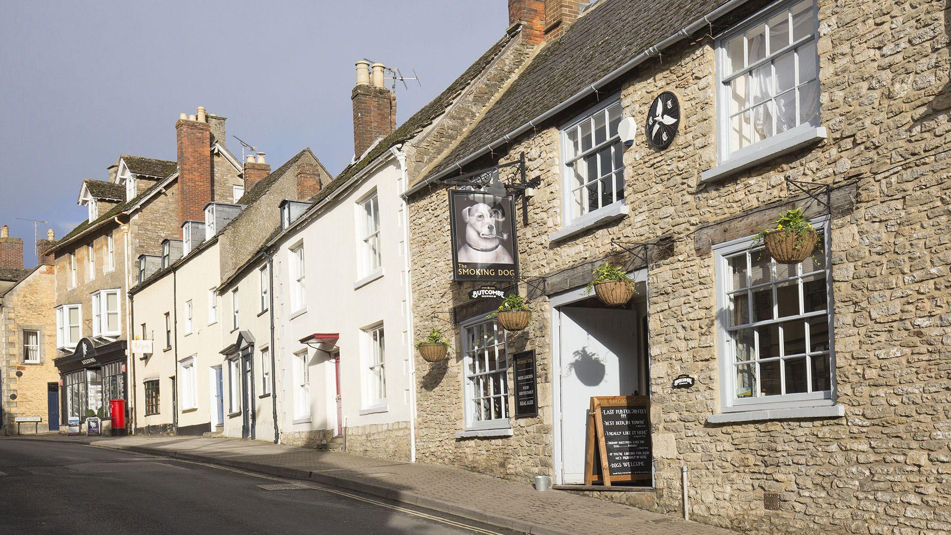 Nearby pub, The Leat at Wynard Mill, Bolthole Retreats