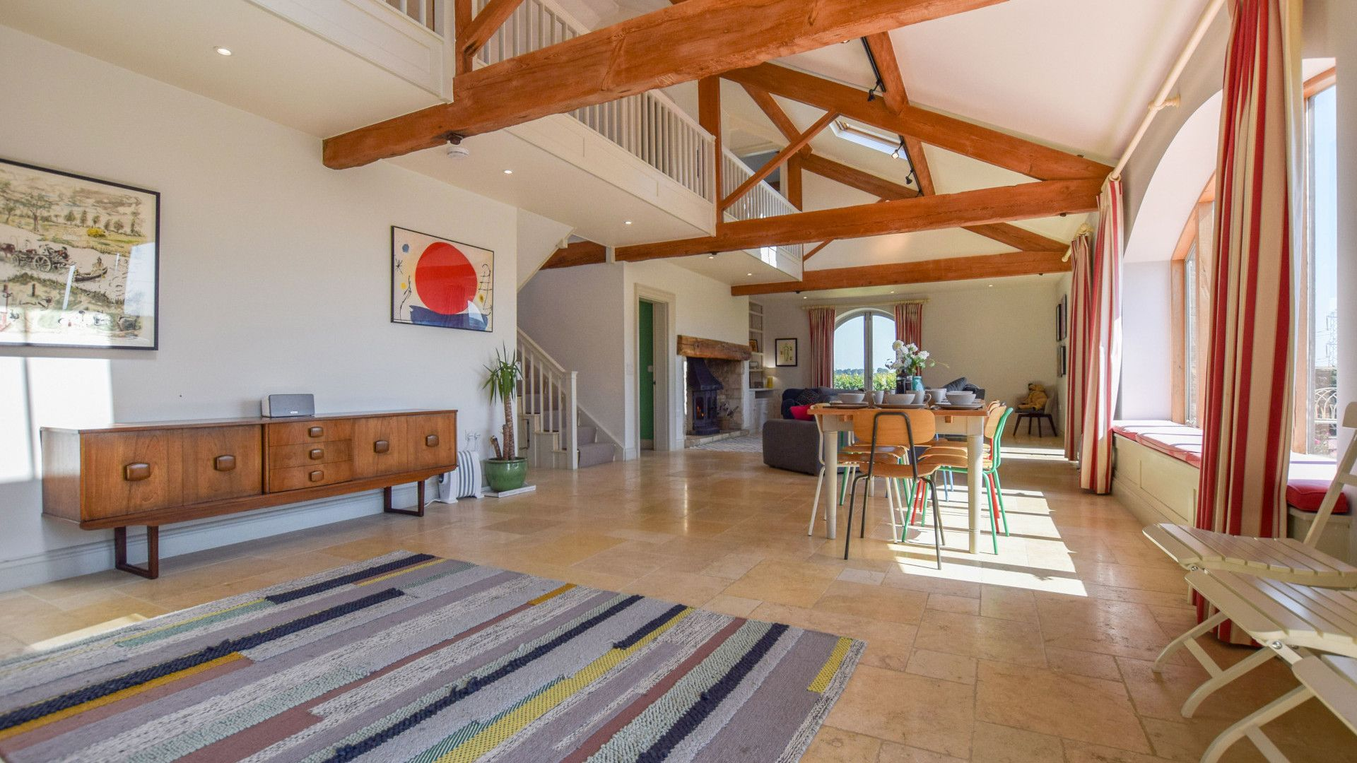 Open plan kitchen, dining living area, Oldbury Barn, Bolthole Retreats