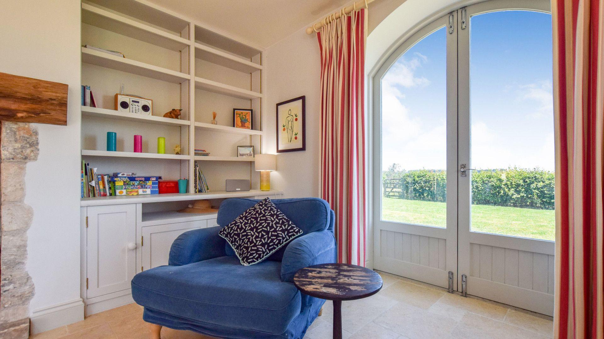 Living area, Oldbury Barn, Bolthole Retreats