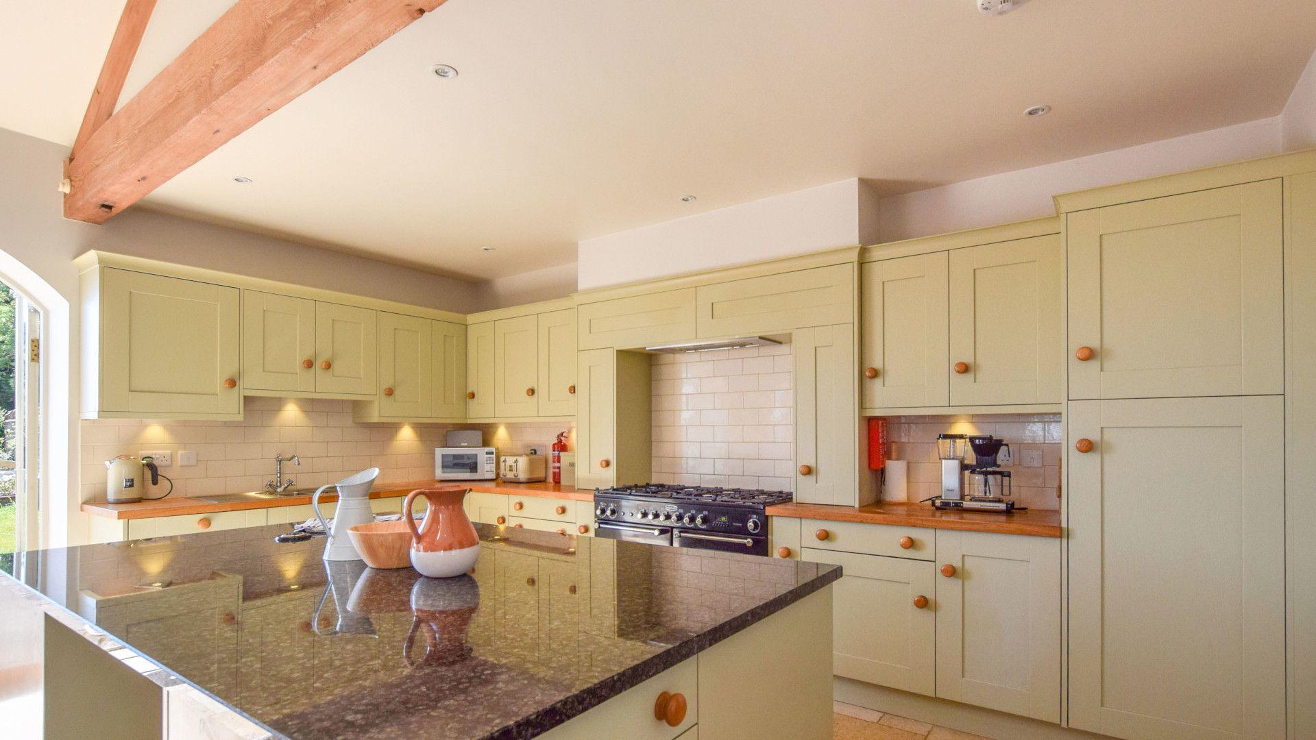 Kitchen, Oldbury Barn, Bolthole Retreats