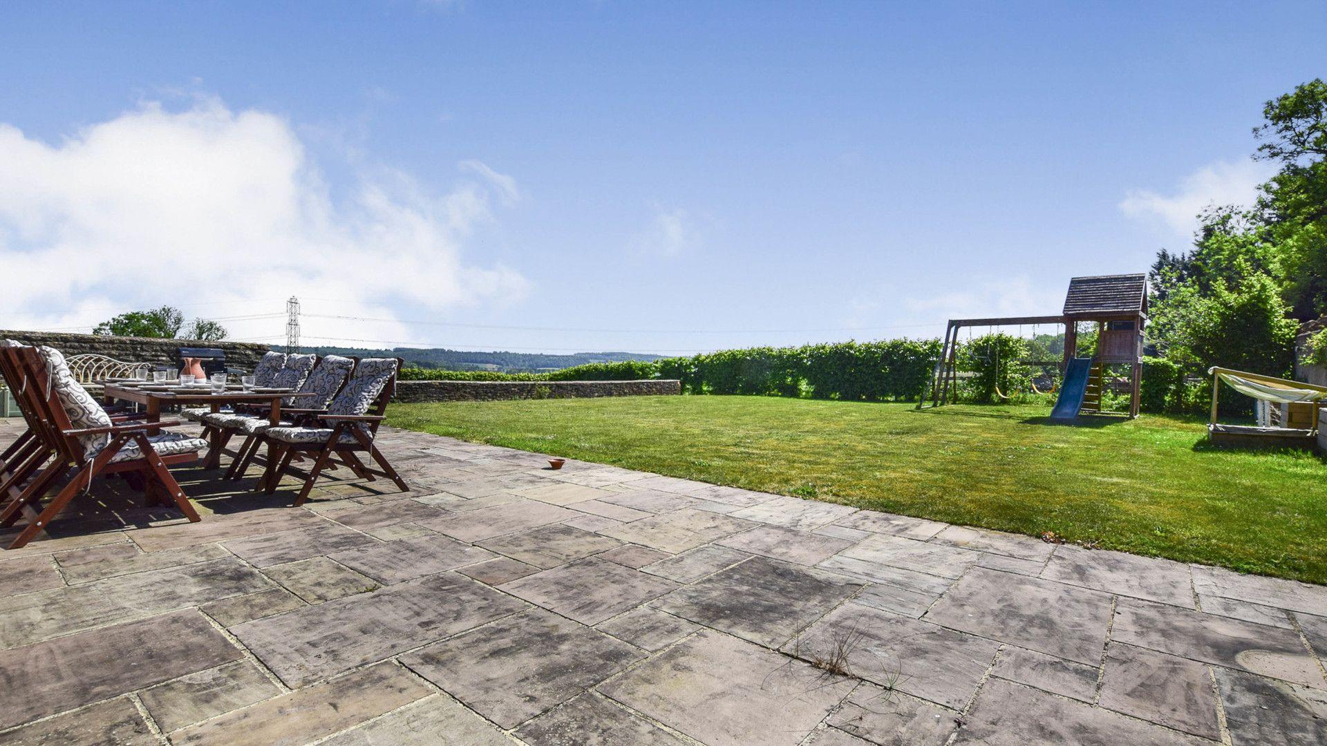 Rear views, Oldbury Barn, Bolthole Retreats
