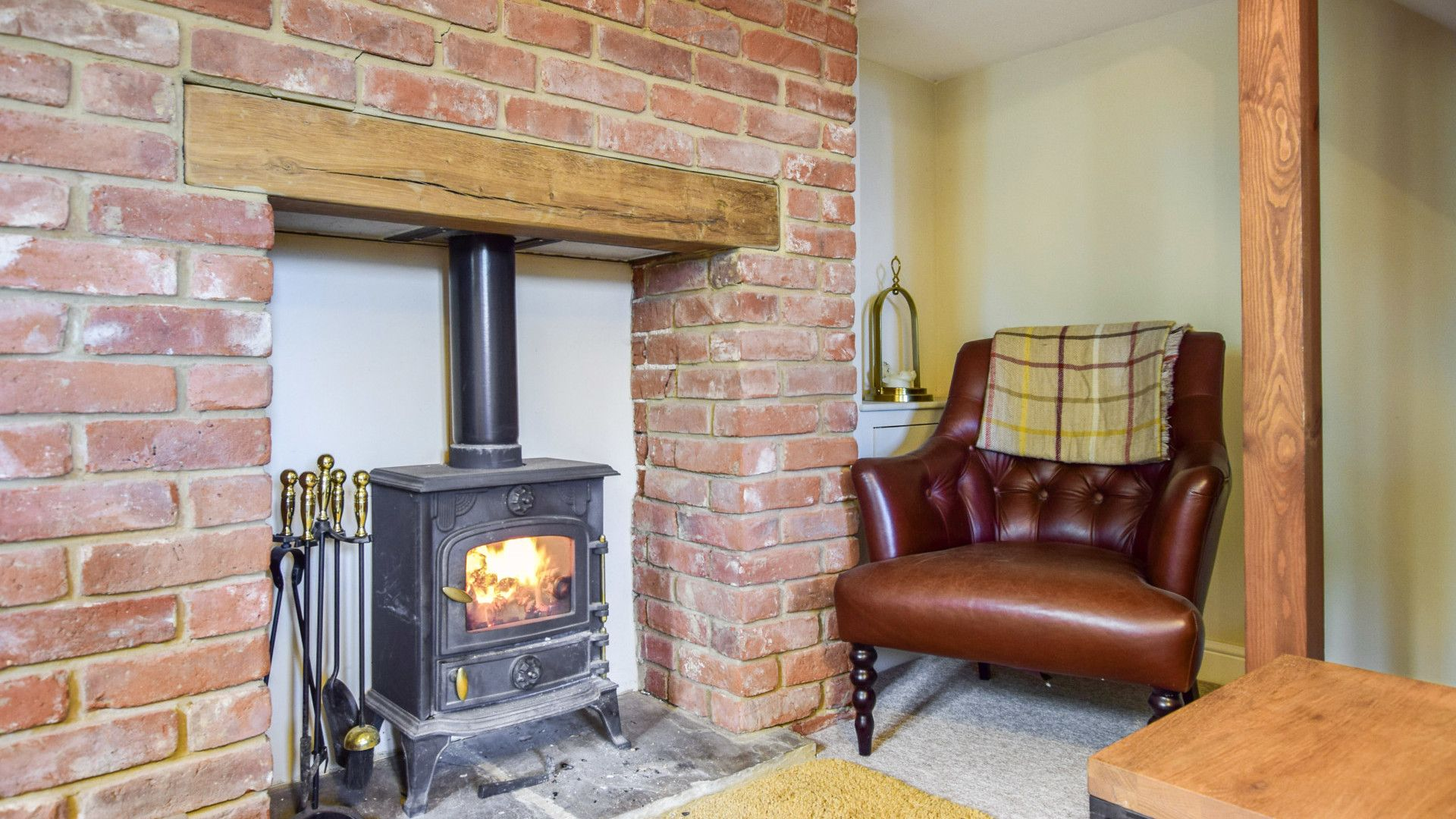 Living room with log burner, Owl's End, Bolthole Retreats