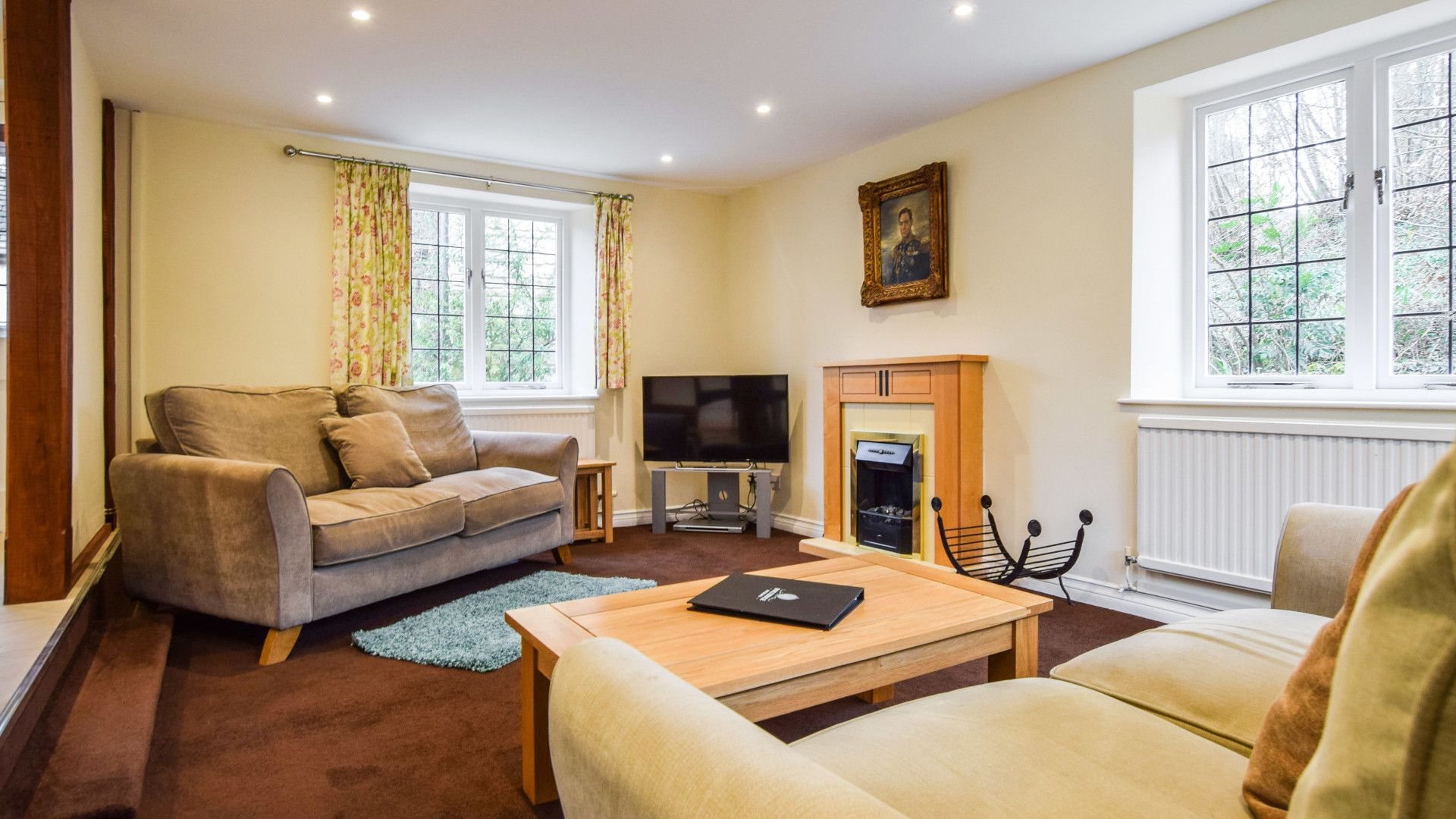 Living room, Queen Mary Cottage at Sudeley Castle, Bolthole Retreats