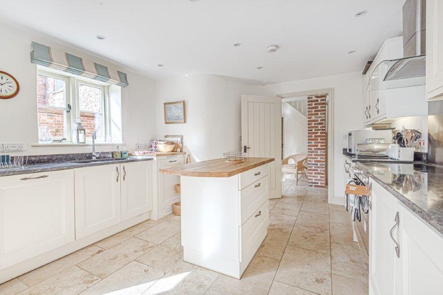 Hamilton House | Kitchen