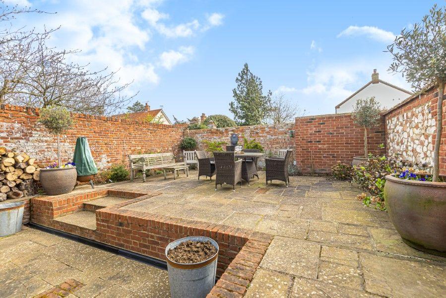 Hamilton House | Walled garden