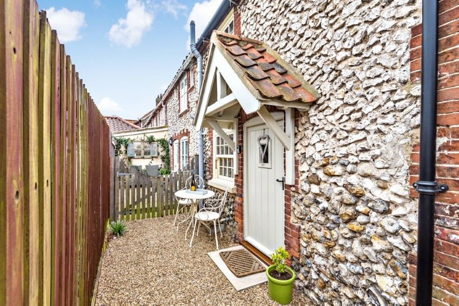 Sutton Cottage | Back door