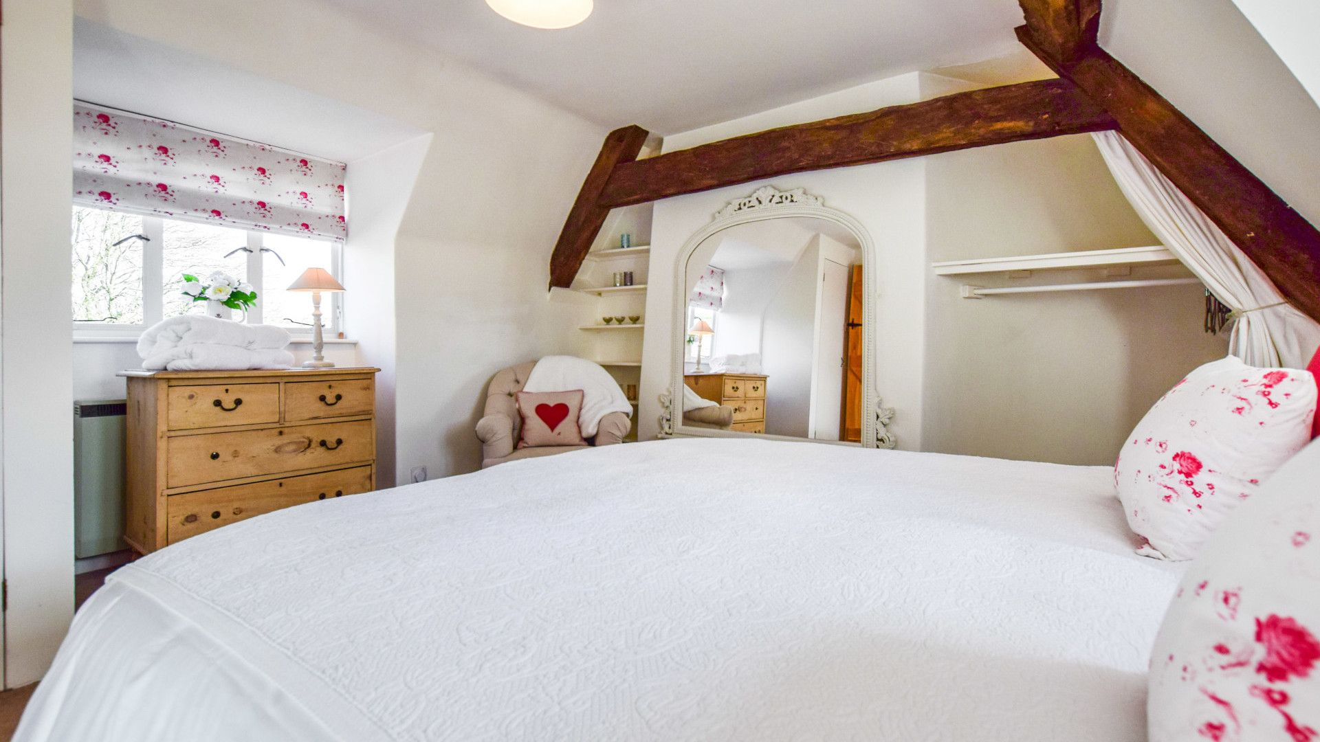 Bedroom 1 - master with king size bed, Spinners Cottage,  Bolthole Retreats