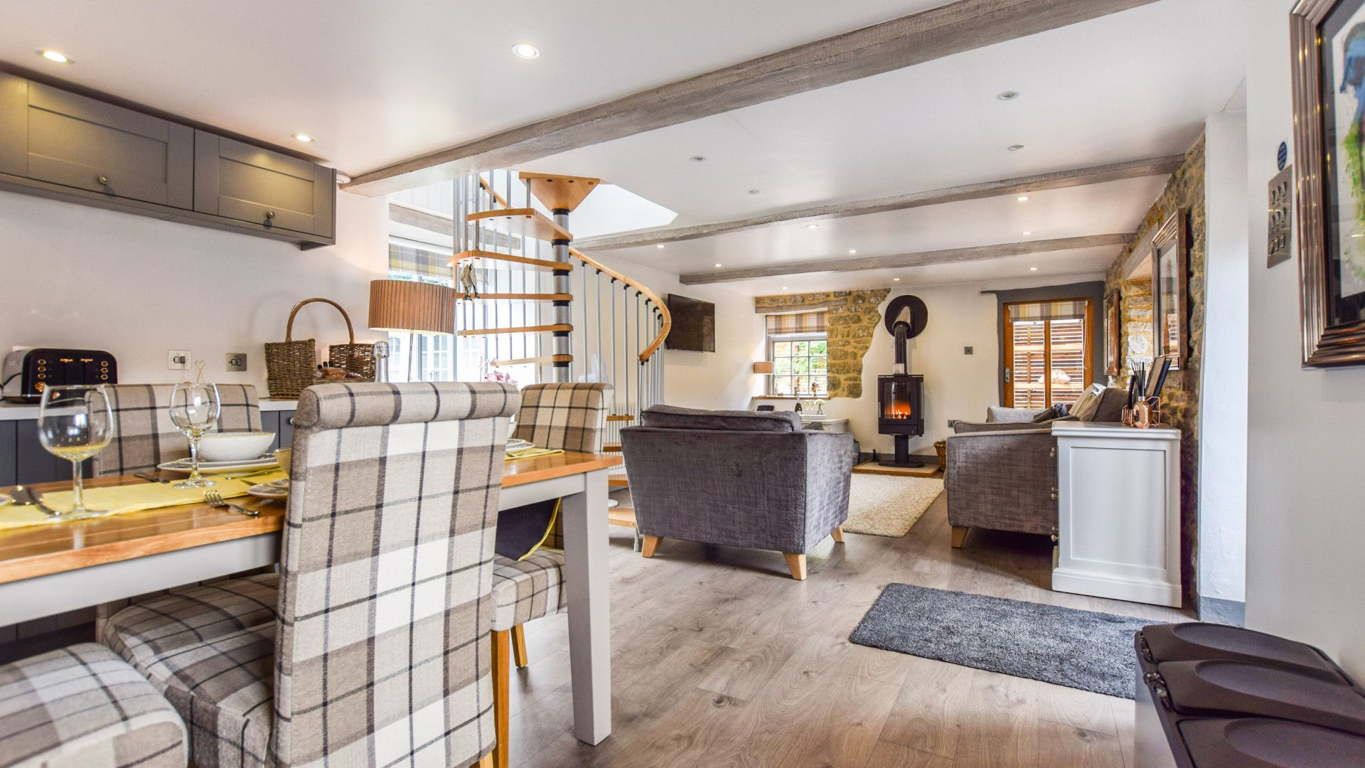 Open plan dining and living areas, Stable Cottage at Avon Farm, Bolthole Retreats