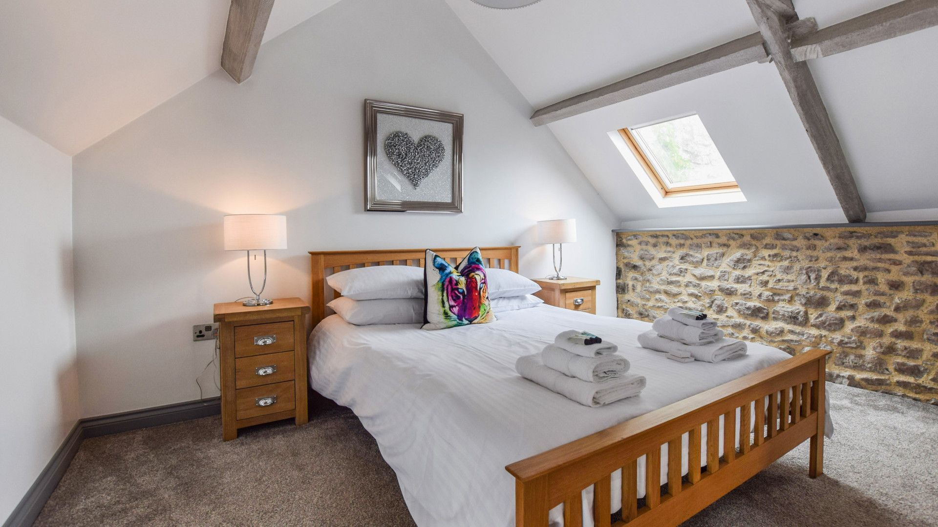 Bedroom 1 with King-size bed, Stable Cottage at Avon Farm, Bolthole Retreats