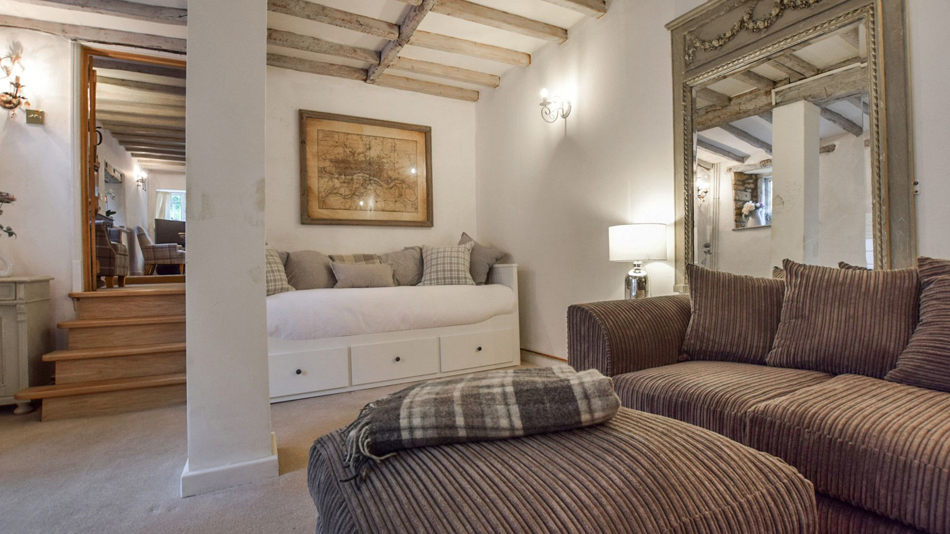 Snug with day bed, Suncroft, Bolthole Retreats
