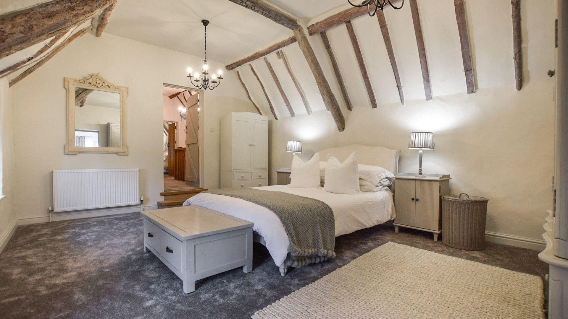 Bedroom 2, master, Suncroft, Bolthole Retreats