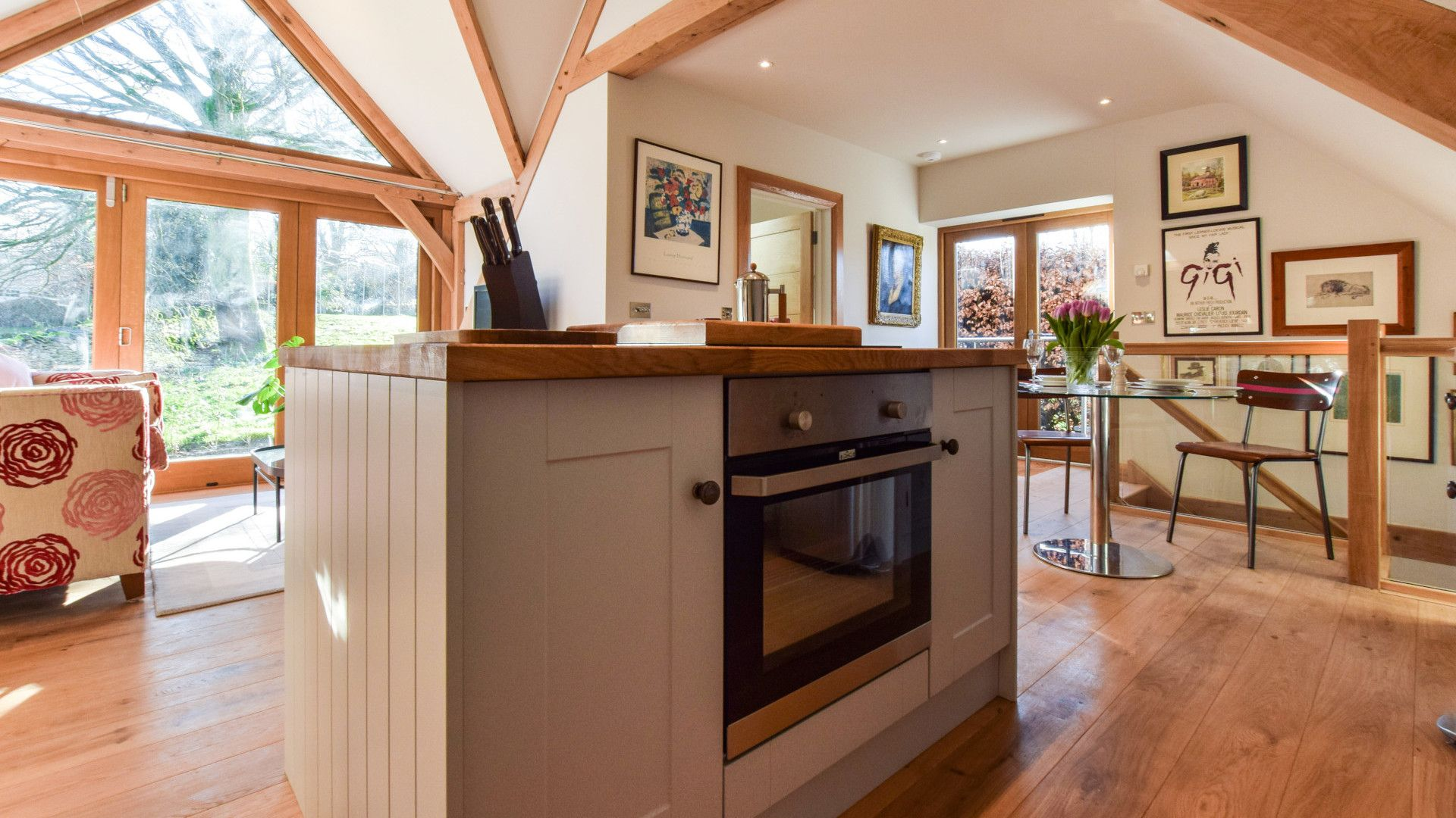 Kitchen with island, Sycamore, Bolthole Retreats