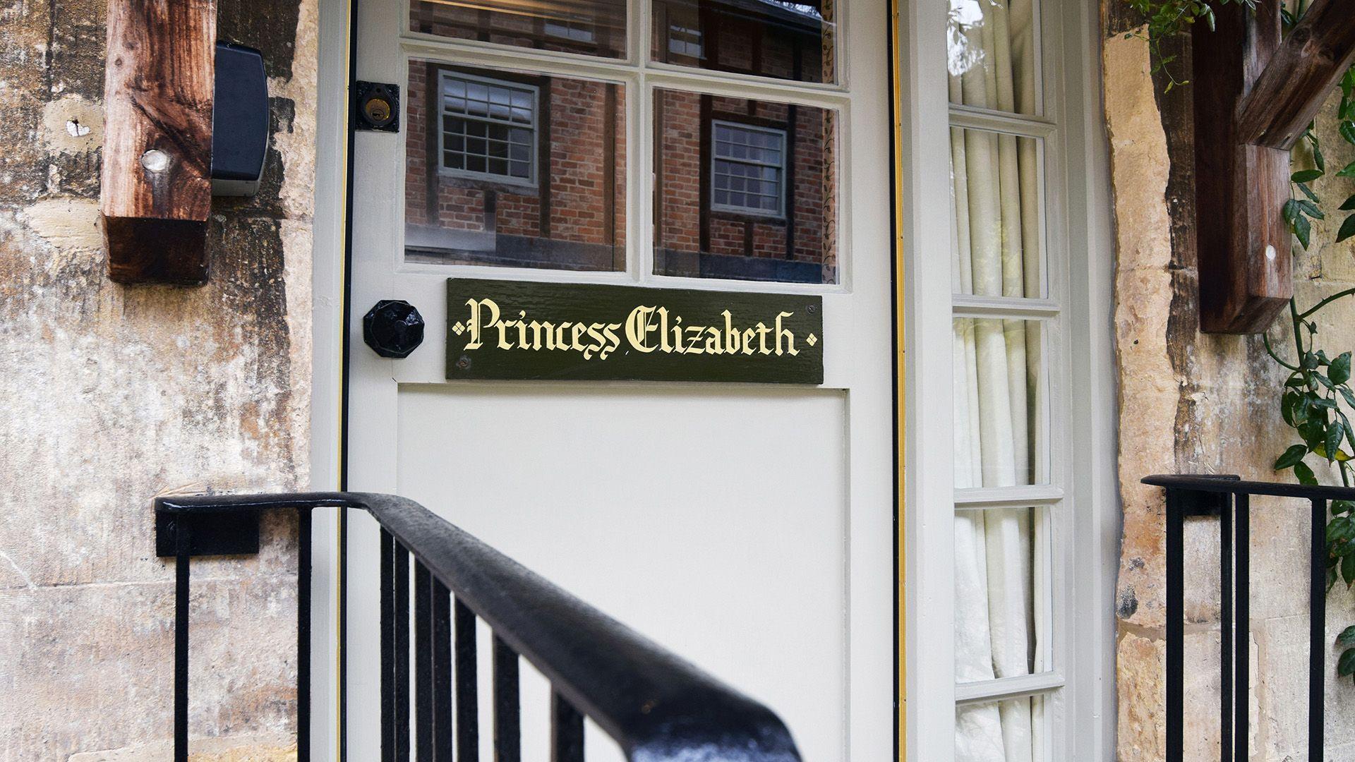 Entrance, Princess Elizabeth at Sudeley Castle, Bolthole Retreats