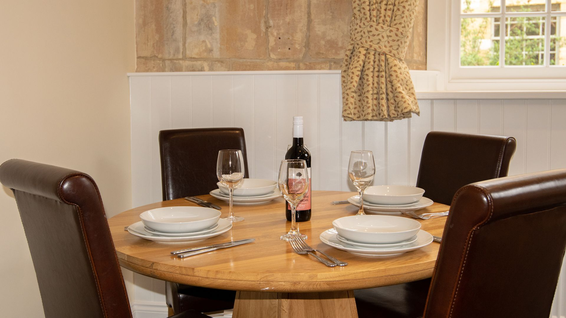 Dining area, Princess Elizabeth at Sudeley Castle, Bolthole Retreats