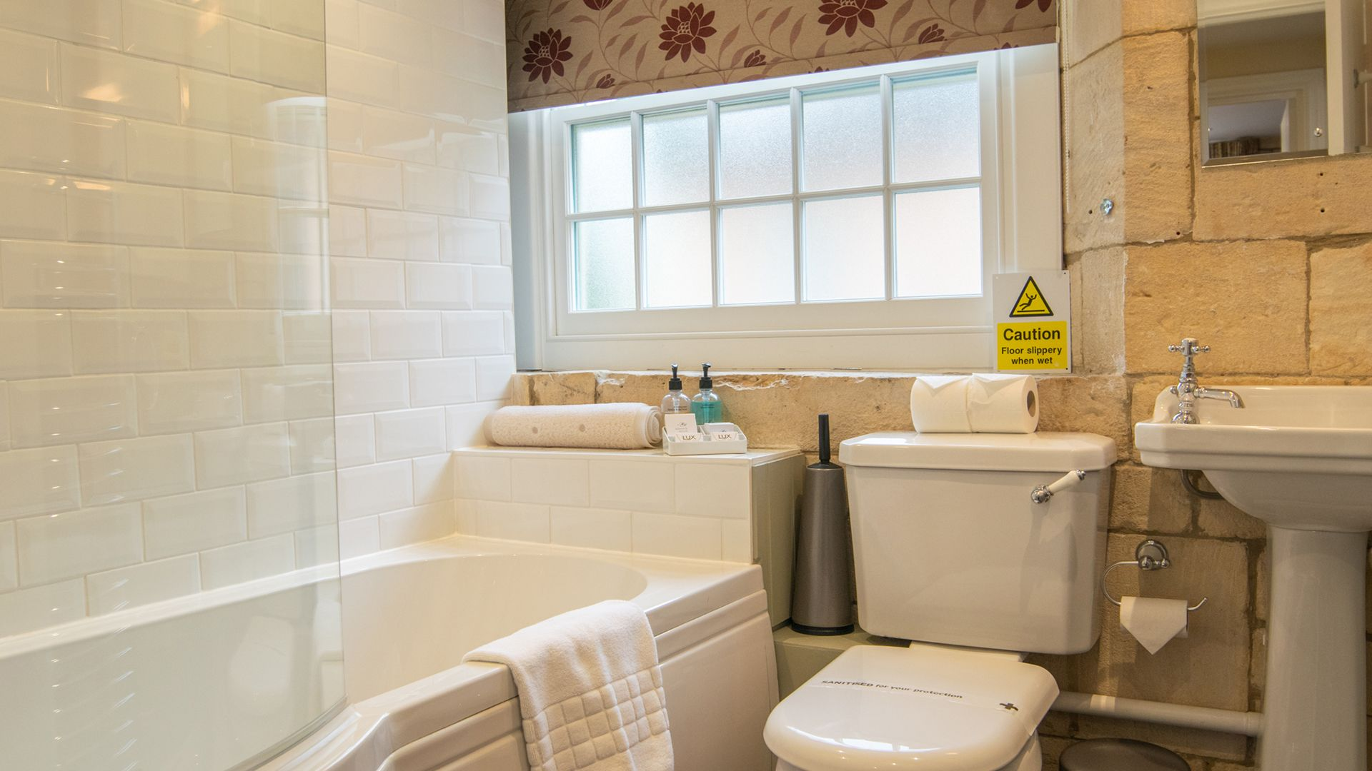 Family Bathroom, Princess Elizabeth at Sudeley Castle, Bolthole Retreats