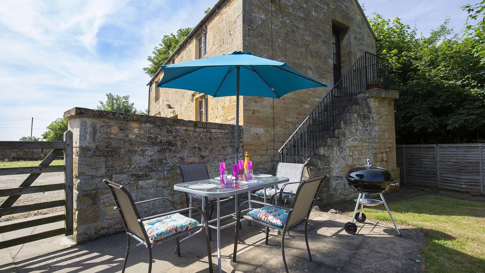 Garden, Sundial Cottage, Bolthole Retreats