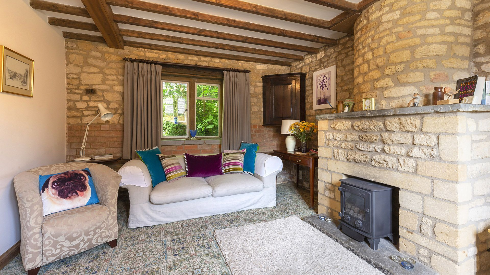 Living room with fireplace and gas fire, Sundial Cottage, Bolthole Retreats