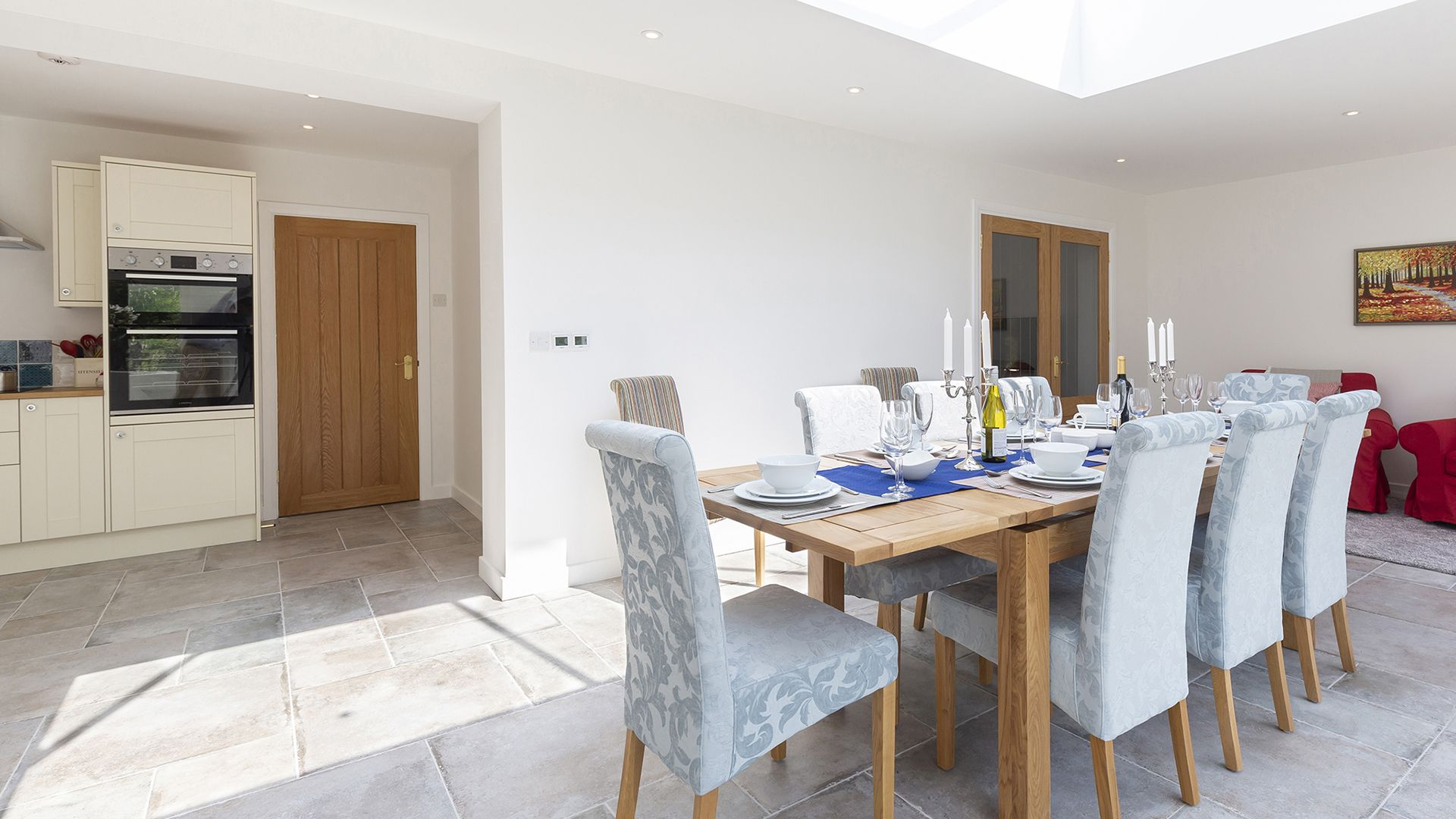 Dining area and kitchen, South Winds, Bolthole Retreats