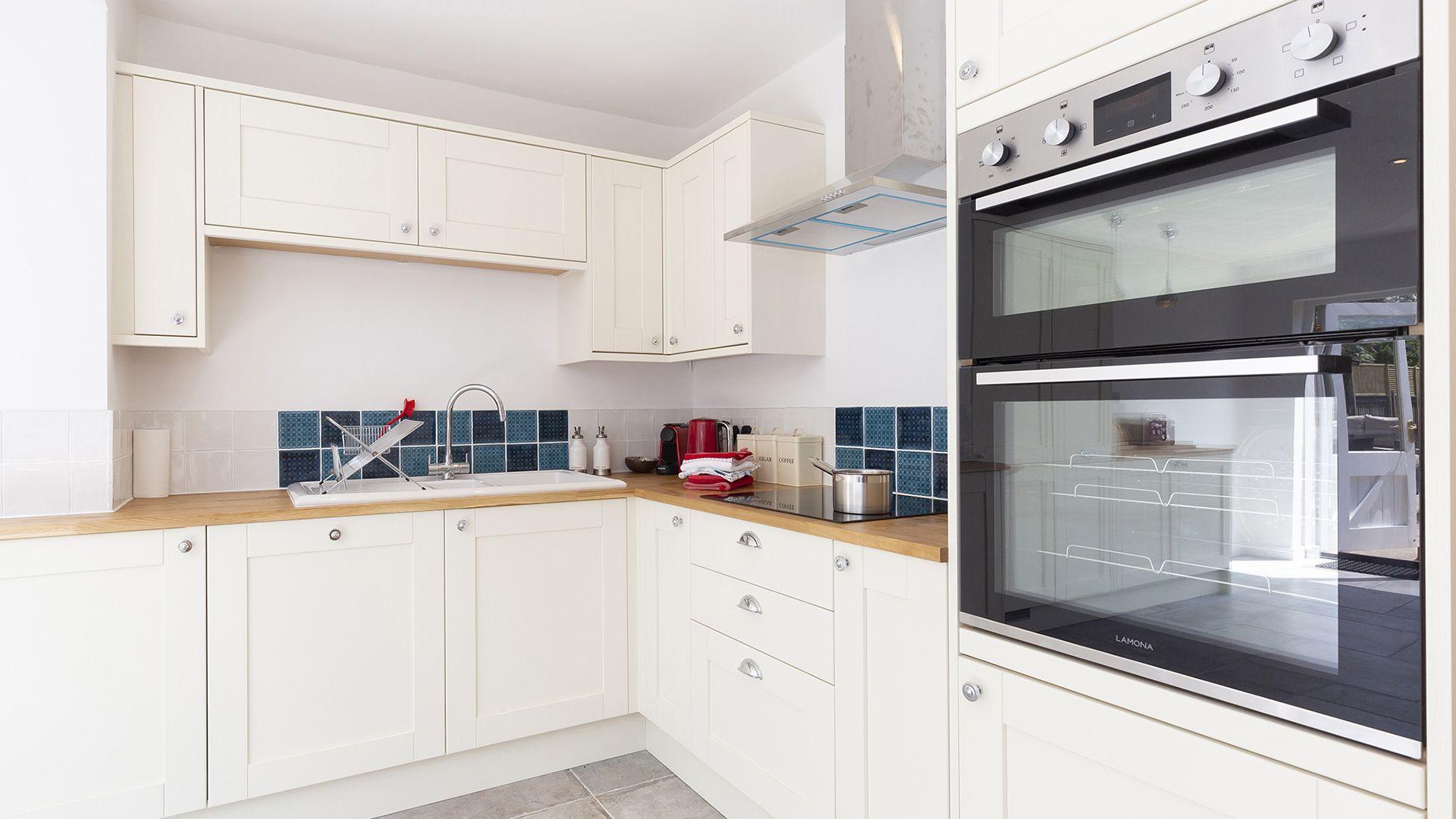 Kitchen, South Winds, Bolthole Retreats