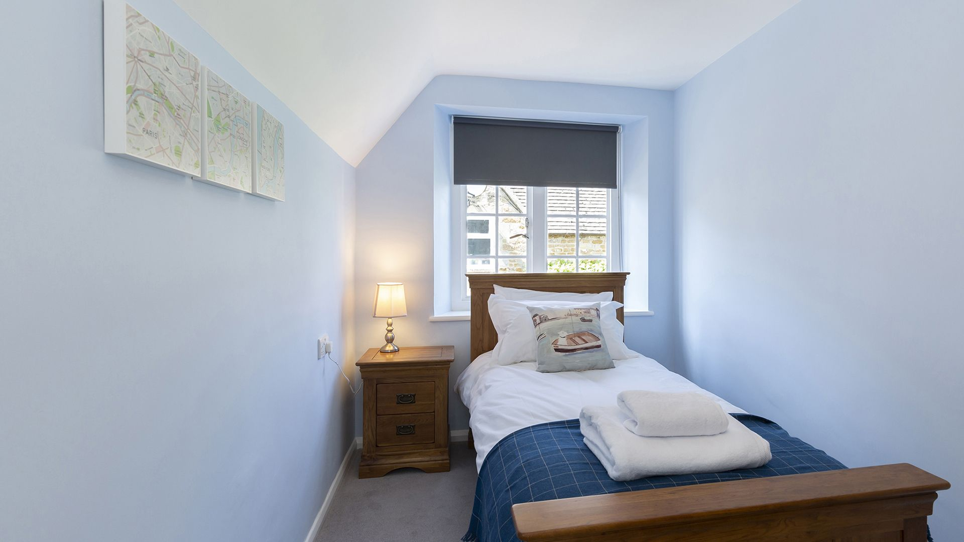 Bedroom 4, South Winds, Bolthole Retreats