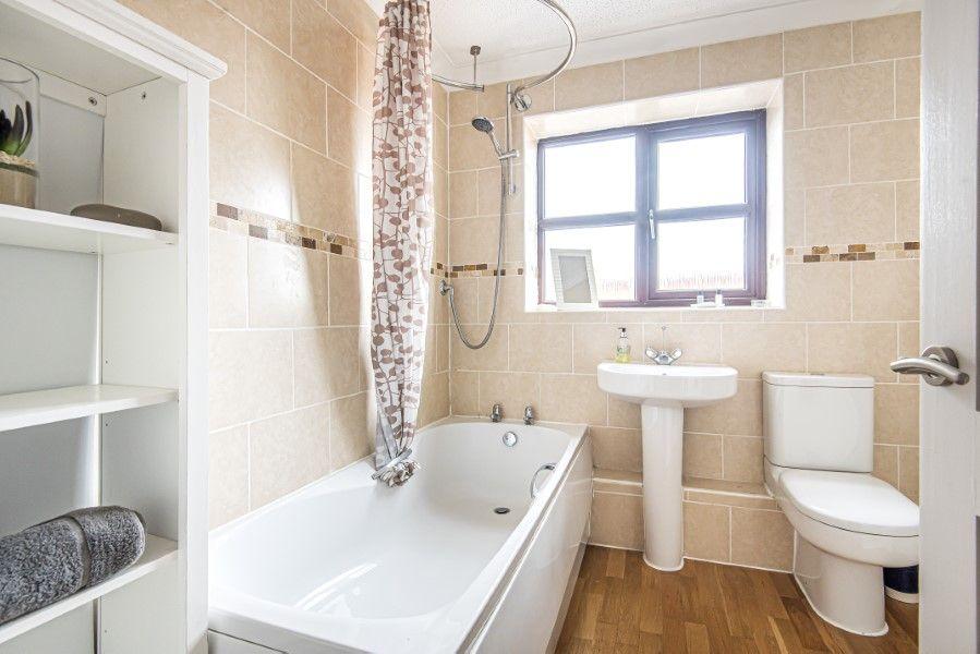 Old Hunny Cottage | Bathroom