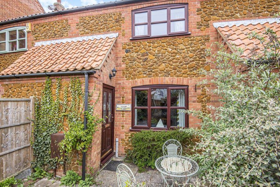 Old Hunny Cottage | Front
