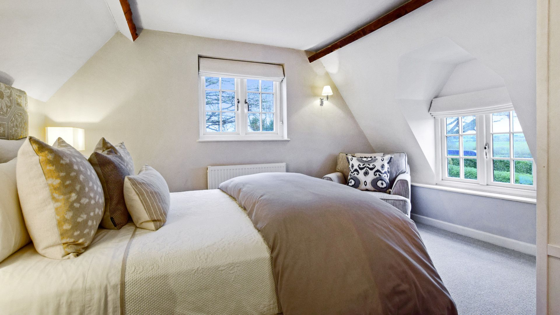 Bedroom 2, king-size bed, Thatch Cottage, Bolthole Retreats