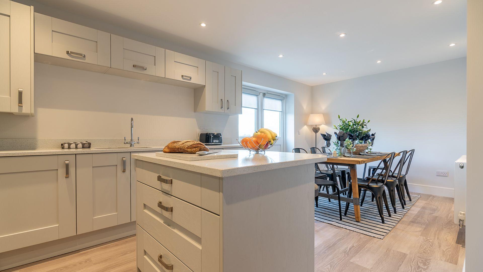 Kitchen with central island, Rowan House, Bolthole Retreats