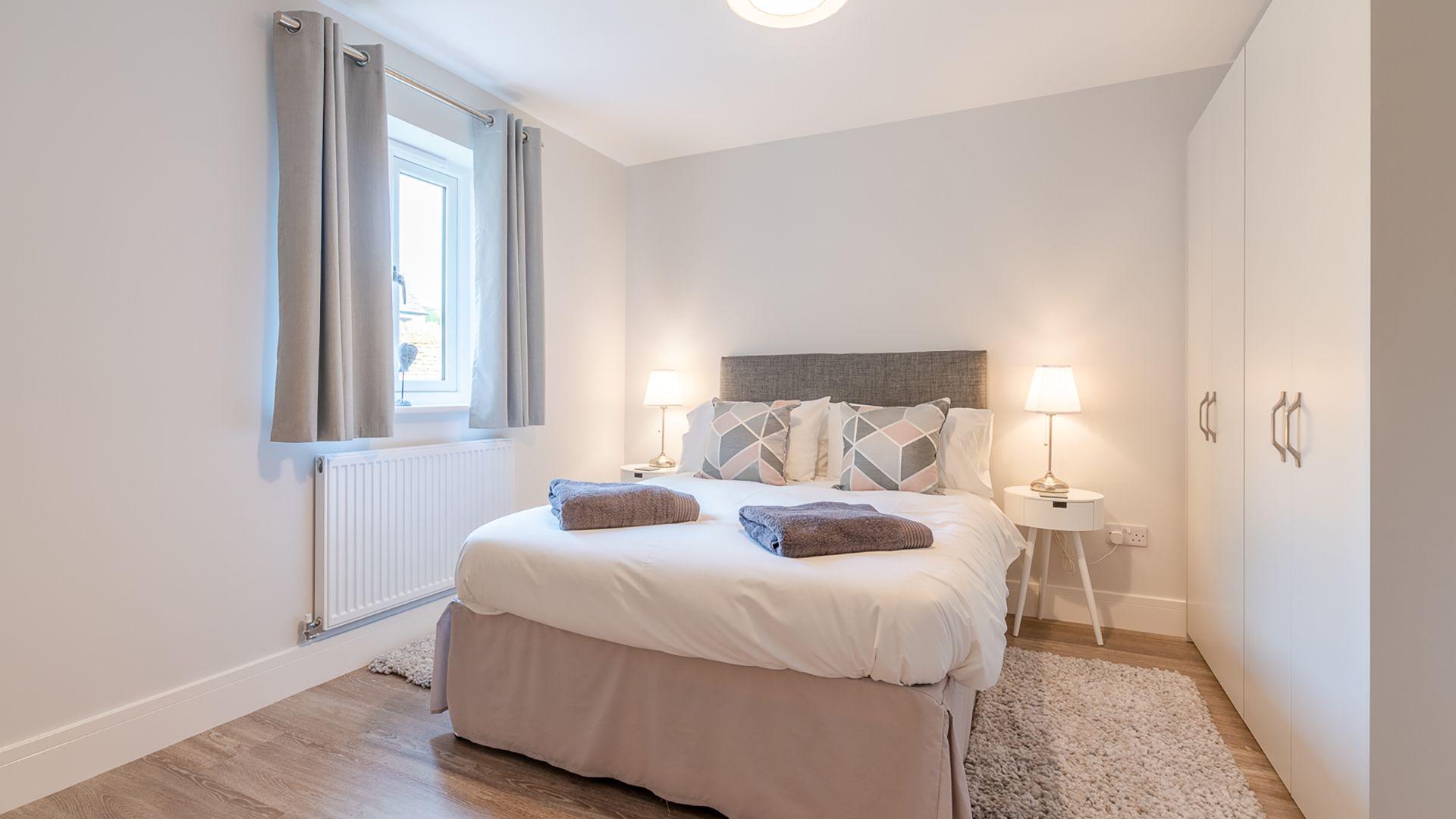 Bedroom 2, downstairs, Poplar House, Bolthole Retreats