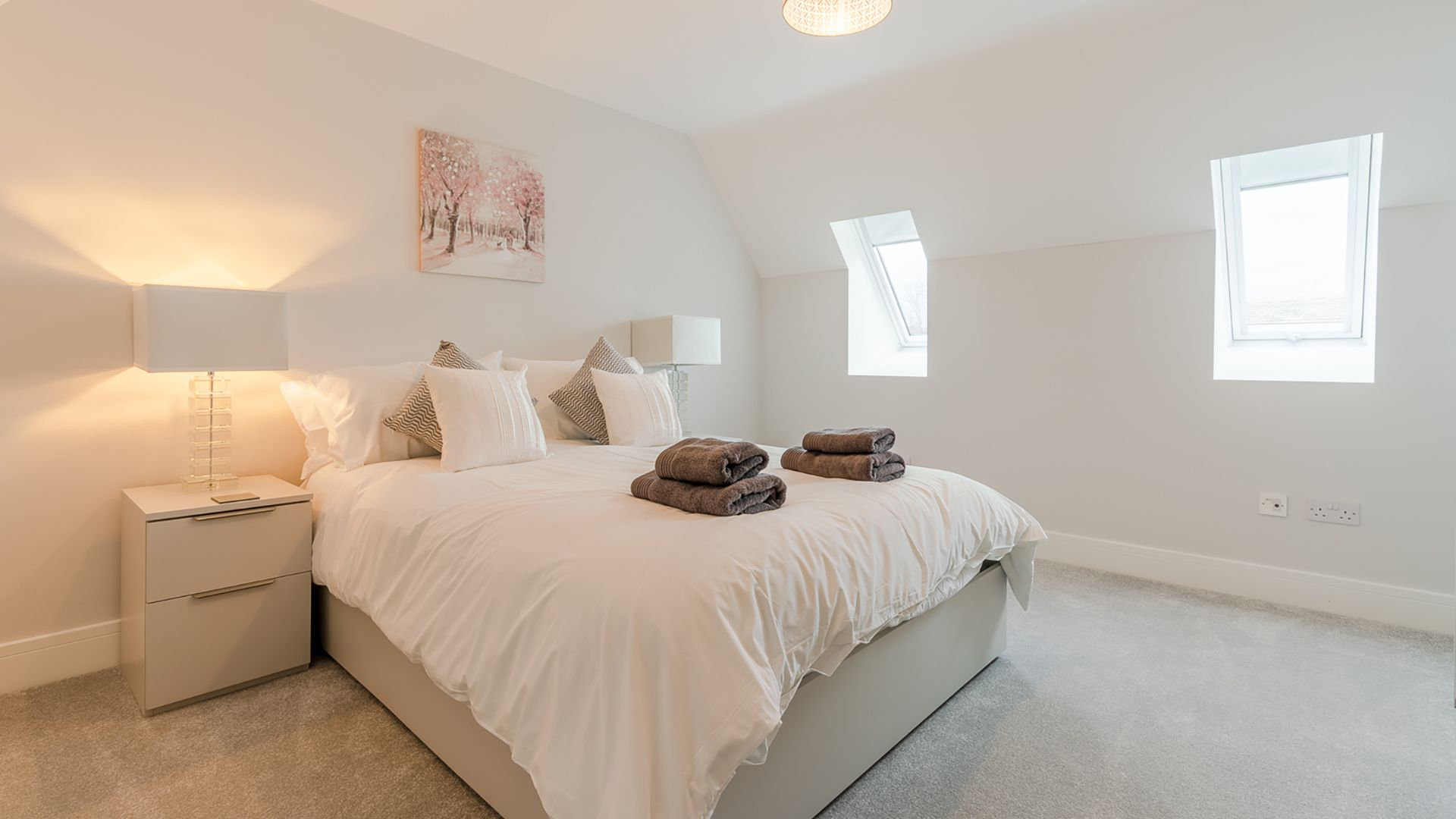 Bedroom 3, king-size, Poplar House, Bolthole Retreats