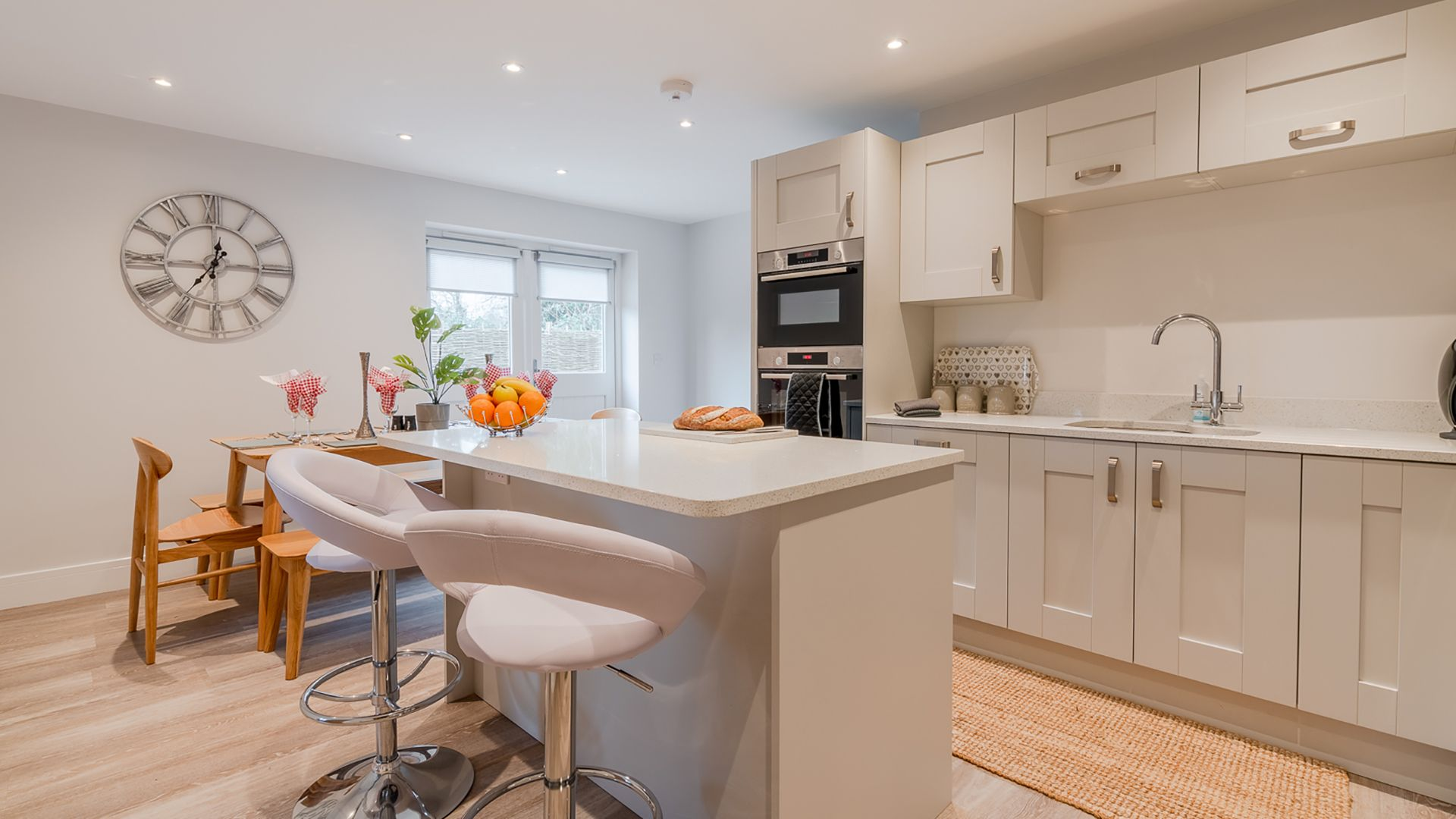 Kitchen & dining area, Poplar House, Bolthole Retreats