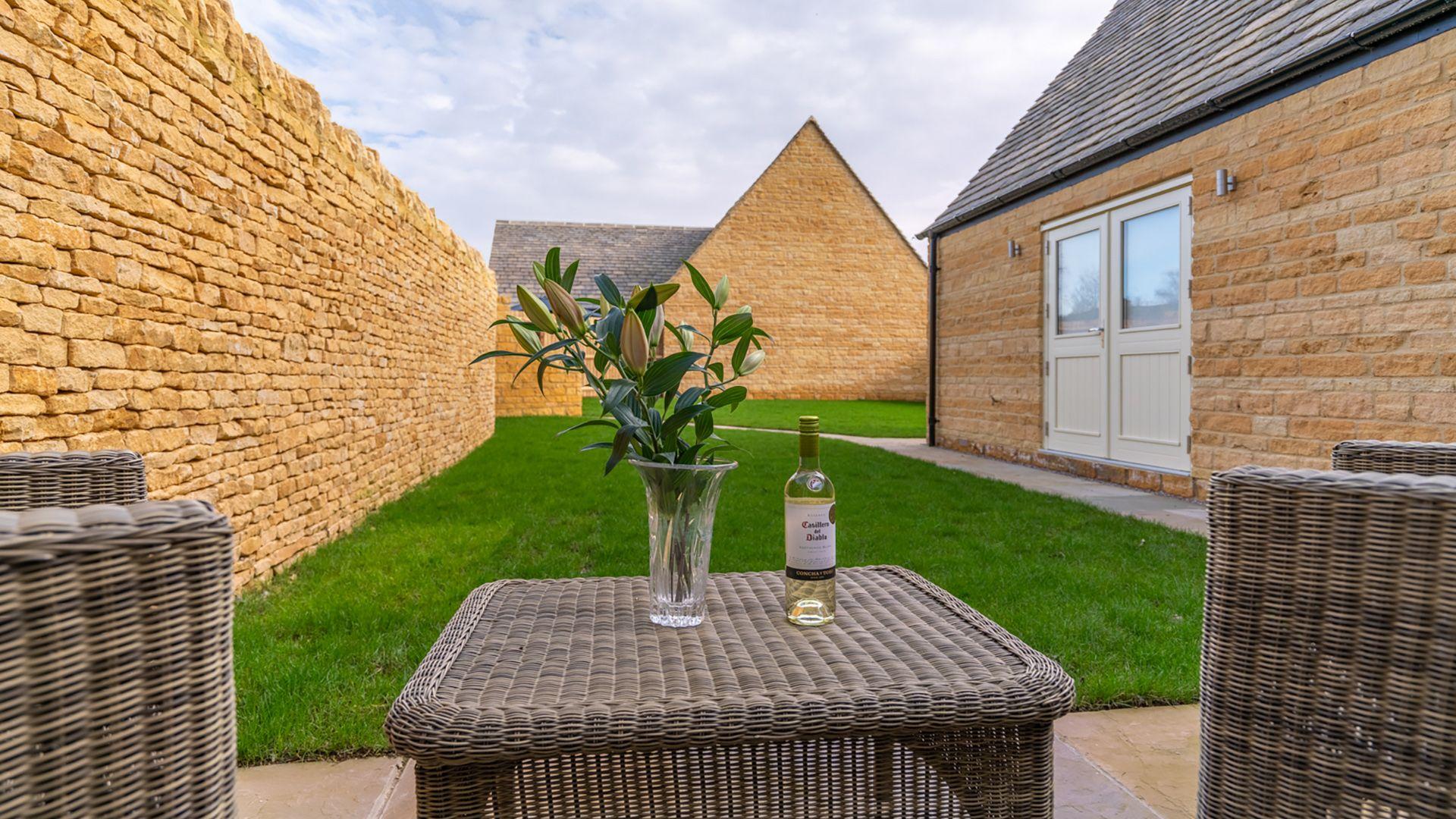 Patio & garden with seating, Poplar House, Bolthole Retreats