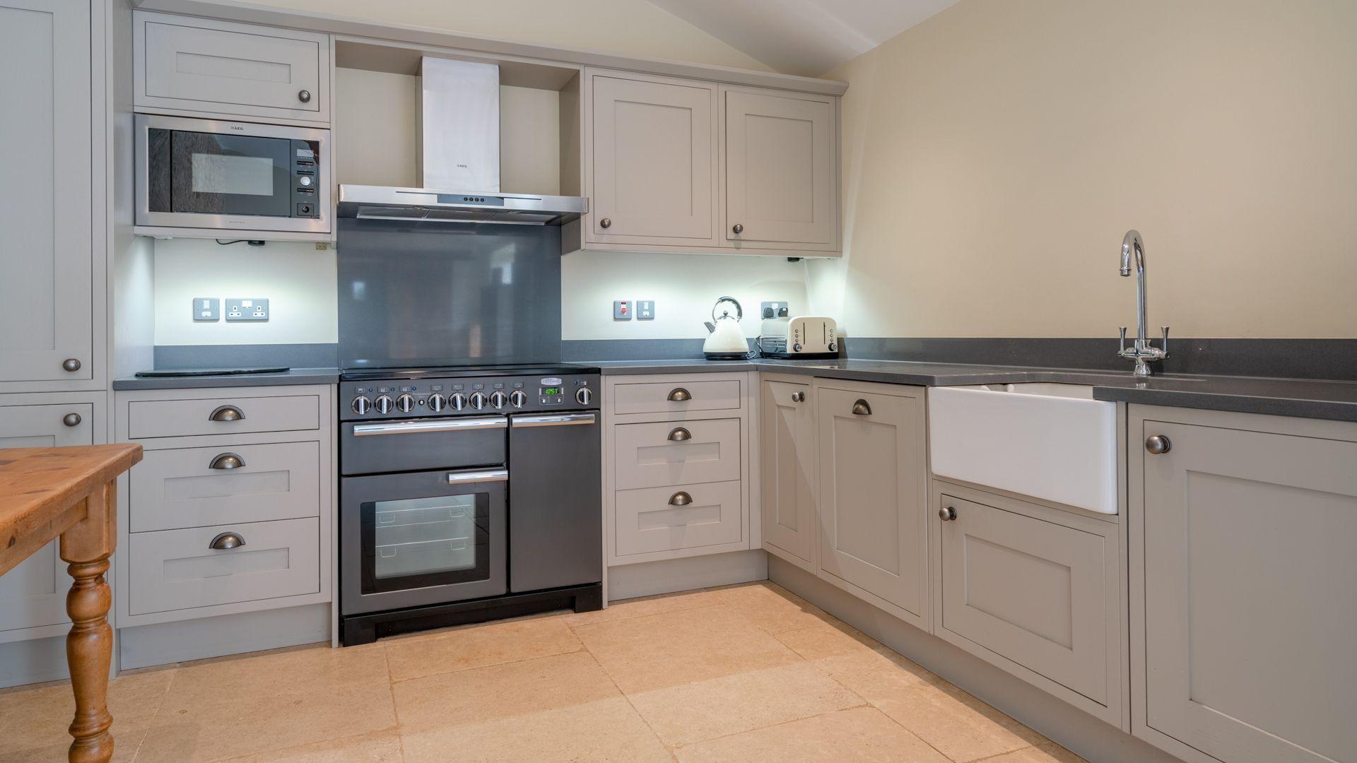 Kitchen, Middle Barn, Bolthole Retreats