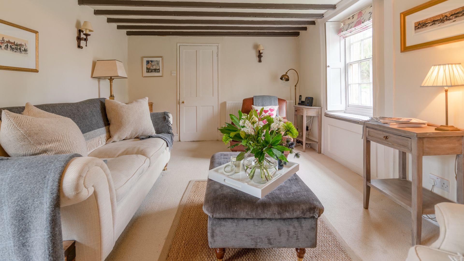 Living room, Woodbine Cottage Bolthole Retreats