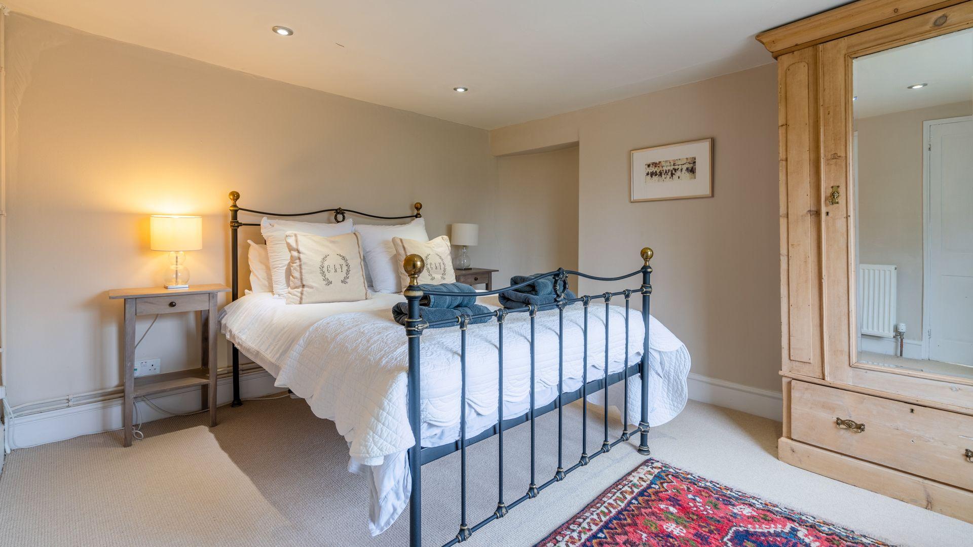 Bedroom 2, Woodbine Cottage Bolthole Retreats