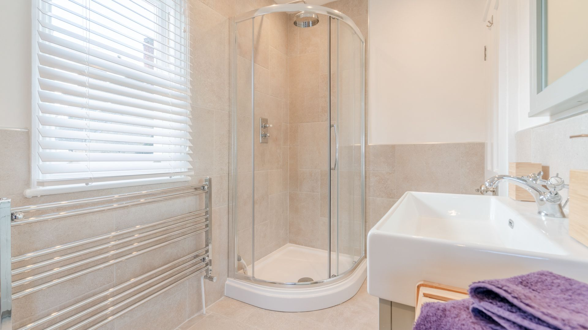 Family bathroom, Tachbrook, Bolthole Retreats