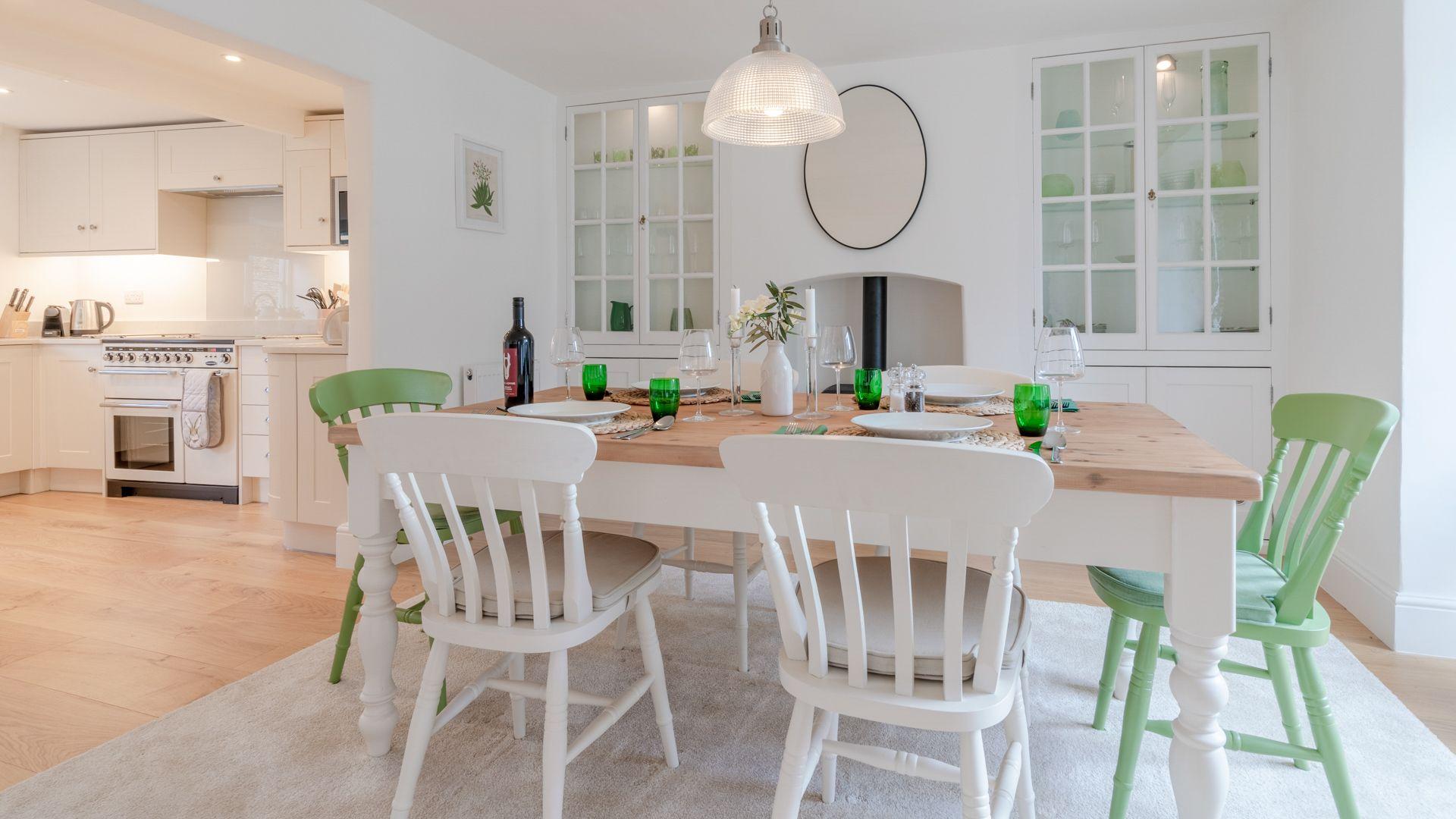 Dining room, Tachbrook, Bolthole Retreats