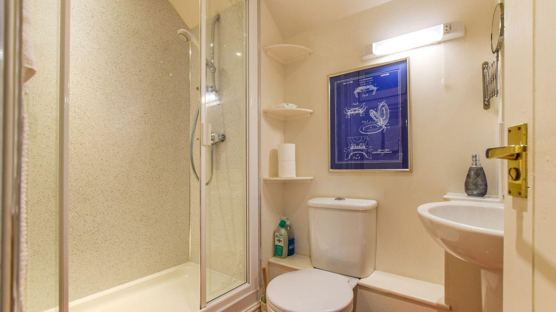Shower room, The Barn, Bolthole Retreats
