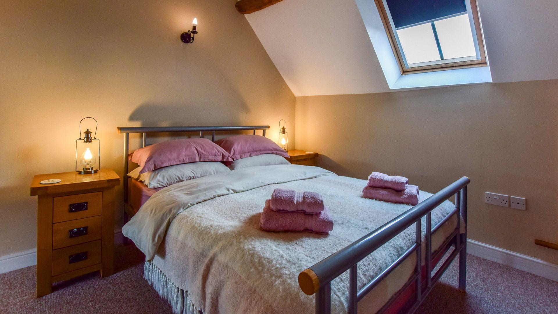 Bedroom 1,  Granary, Bolthole Retreats
