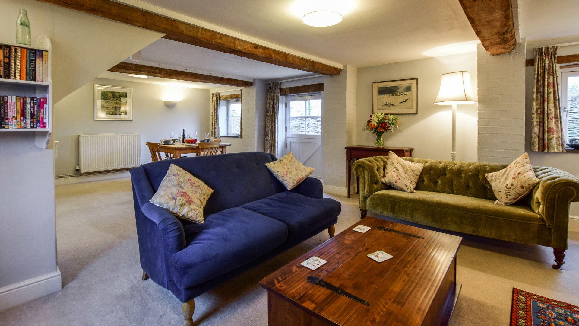 Living room, Granary at Hunt Court, Bolthole Retreats