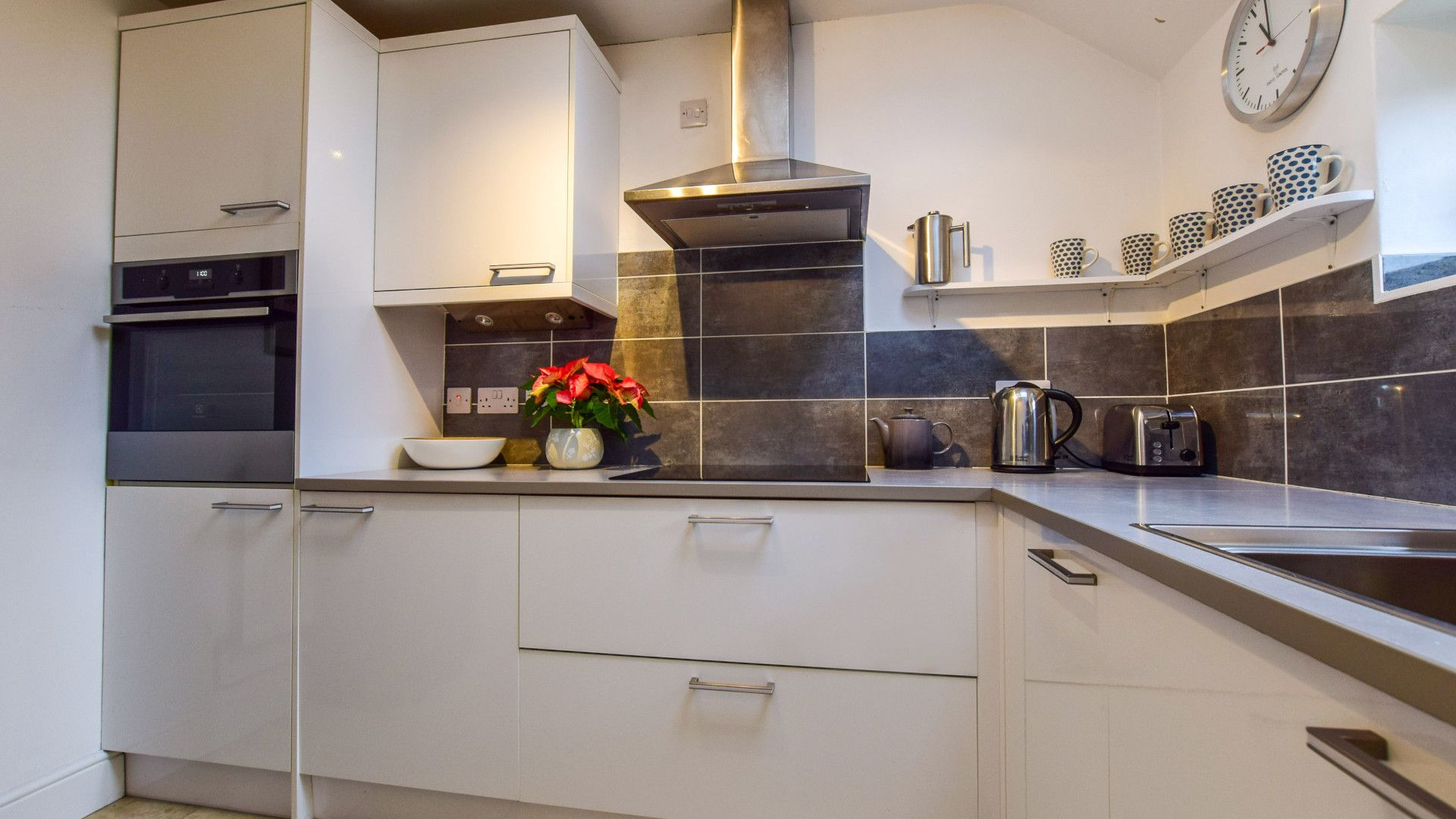 Kitchen, Granary at Hunt Court, Bolthole Retreats