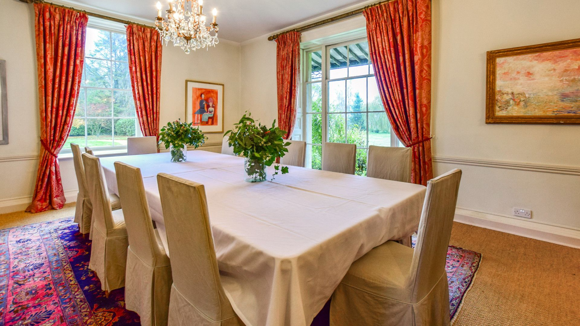 Formal dining room, Kingscote Park House, Bolthole Retreats